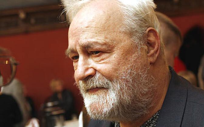 Muusikasaadete juht ja ajakirjanik Ivalo Randalu.