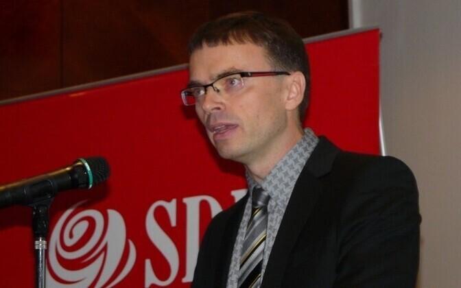 Миксер стал новым главой СДПЭ.