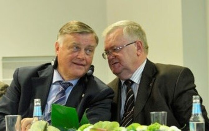 Russian Railways director Vladimir Yakunin in (left) and Tallinn Mayor Edgar Savisaar in 2010
