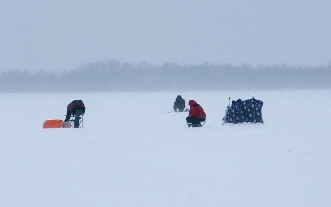 Ice fishermen on Lake Peipsi
