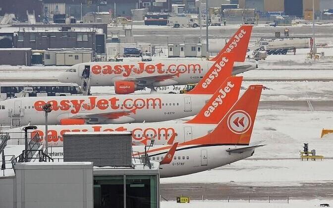 Самолеты EasyJet.