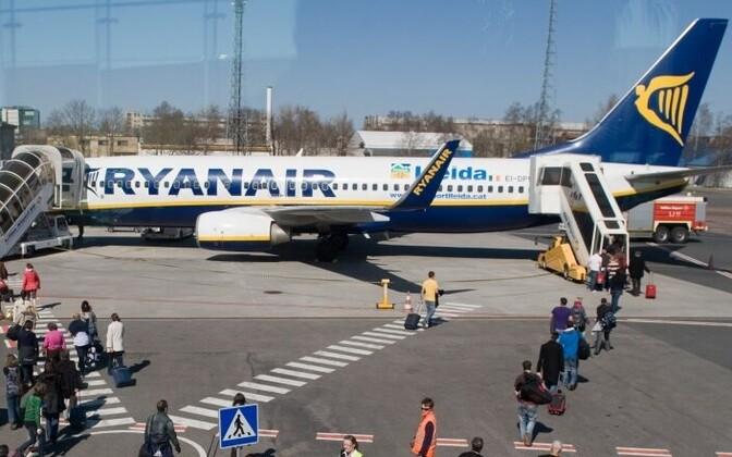 Ryanair отменяет около 2% рейсов в день.