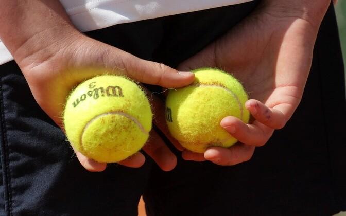 Tennispallid