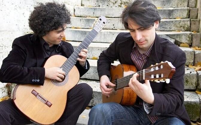 Paris Guitar Duo