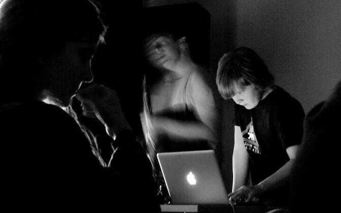 David Rothenberg and Umru X5 at Ptarmigan (Umru X5 on the Mac).