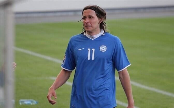 Владимир Воскобойников в футболке сборной Эстонии.
