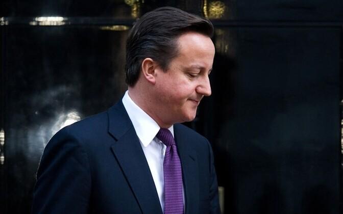 Глава британского правительства Дэвид Кэмерон в ходе телефонного разговора с испанским премьером Мариано Рахоем предупредил его о предстоящих маневрах.