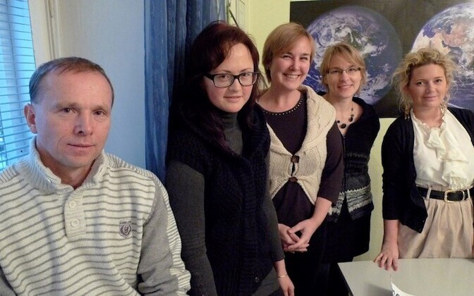 The core force behind Let's Do It World: Rainer Nõlvak, Tiina Urm, Eva Truuverk, Nele Hendrikson, and Mari-Liisa.