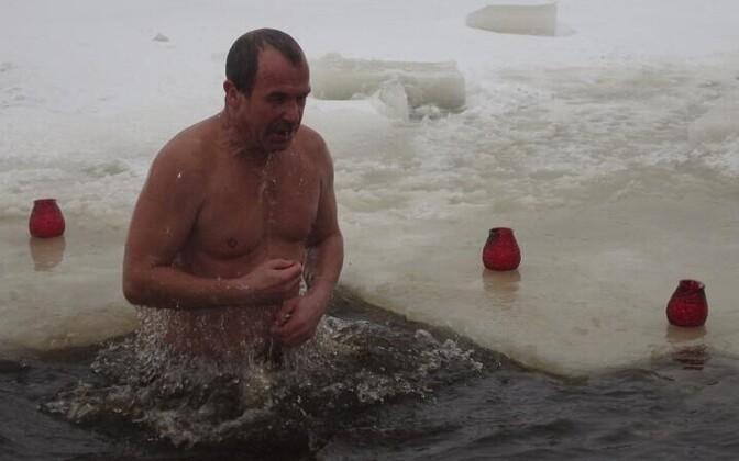 Крещенские купания в Нарве в Липовой ямке.
