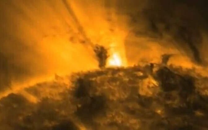 Video: Päikesel möllavad tornaadod