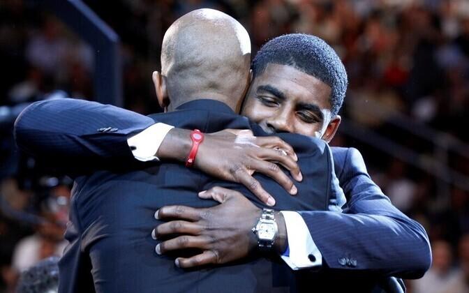 Isa Drederick õnnitleb poeg Kyrie Irvingut draftipäeval