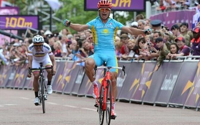Представитель Казахстана Александр Винокуров, собирающийся завершать карьеру по итогам сезона, стал олимпийским чемпионом.