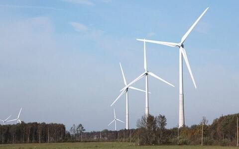 Wind turbines (picture is illustrative).
