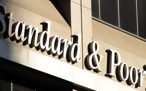 Credit rating agency Standard and Pooor's.