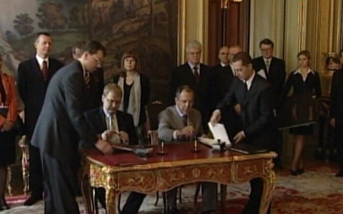 The signing of the Estonian-Russian border treaty in 2005.
