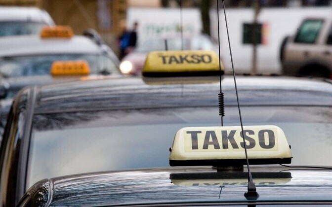 Missing taxi sign is usually the first sign of a pirate taxi.