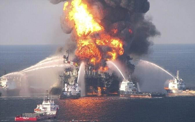Põlev naftaplatvorm Deepwater Horizon 21.