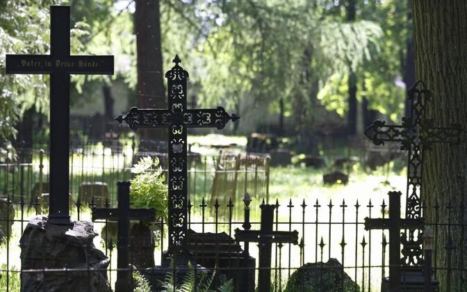 Raadi cemetery, Tartu
