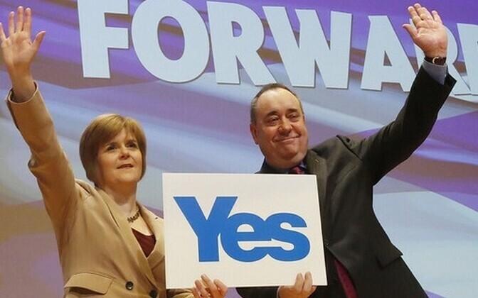 Esimene aseminister Nicola Sturgeon ja esimene minister Alex Salmond.