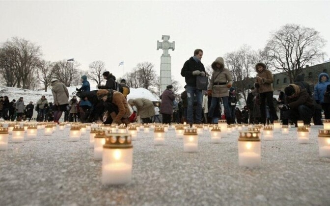 Candlelight vigil on Freedom Square, March 25, 2011
