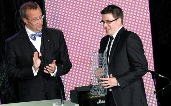 Fortumo co-founder Martin Koppel accepting Business of the Year 2011 award