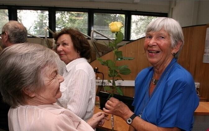 ETV 55. sünnipäeval oli ka Mai Mikiver (paremal)