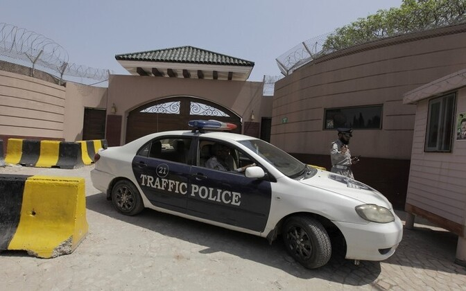 Politseinikud täna Pervez Musharrafi kodu juures Reuters / Scanpix