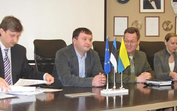 Нарвские власти будут спасать Narva Bussiveod.