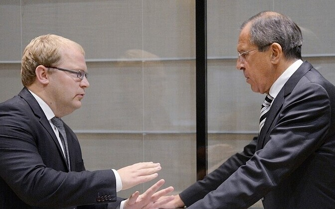 Estonian Foreign Minister Urmas Paet (left) and Russian Foreign Minister Sergei Lavrov