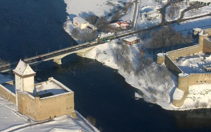 Narva (left) and Ivangorod