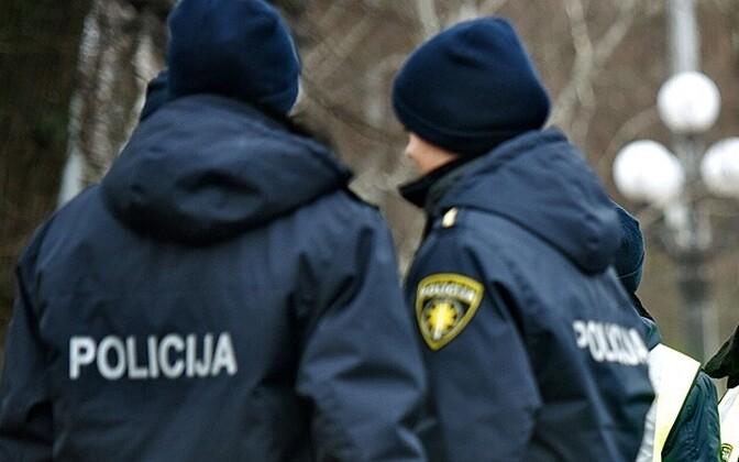 Латвийские полицейские.