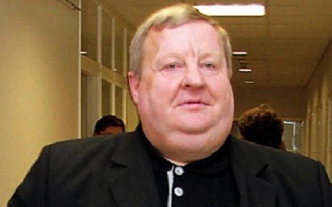 Николай Осипенко исключен из состава Йыхвиского волостного собрания.