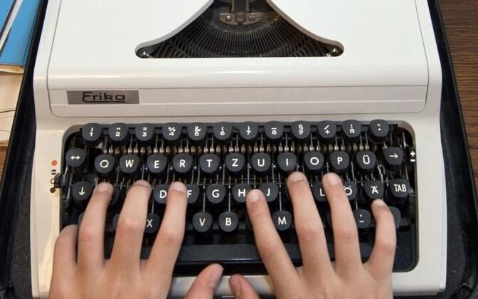 Kreml naaseb paberimajanduses klassikaliste kirjutusmasinate juurde.