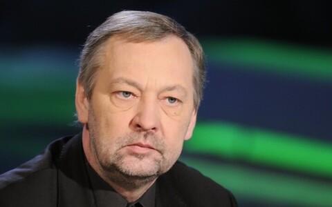 Neeme Kuningas lahkub Estonia teatrist.
