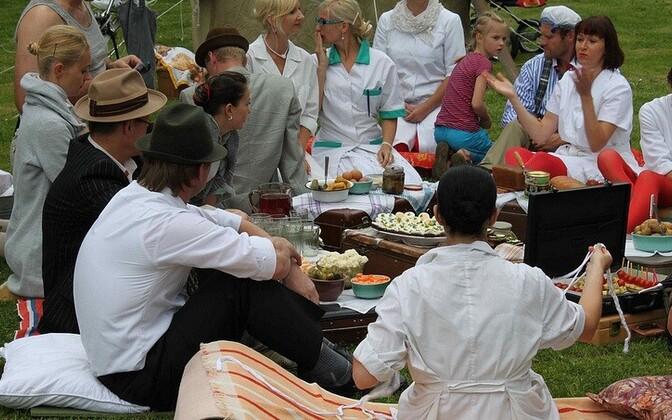 d79bd6048d9 Tänavafestival Augustiunetus toob Pärnusse 30 üheõhtukohvikut ...
