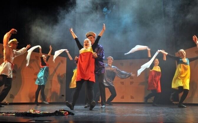Представление по поводу празднования 35-летия Театральной студии при Русском театре