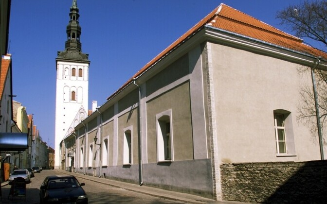 Rootsi-Mihkli kirik.