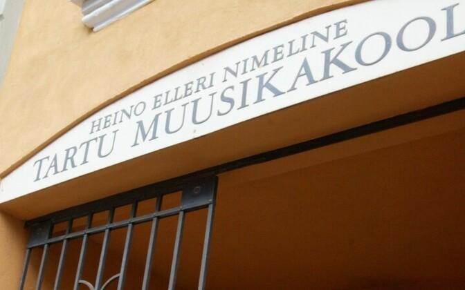 Heino Elleri nimeline Tartu muusikakool.