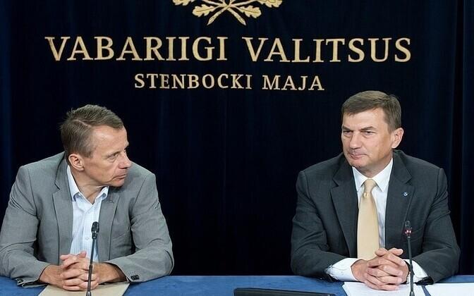 Finance Minister Jürgen Ligi (left) and Prime Minister Andrus Ansip