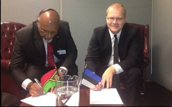 Foreign Minister Urmas Paet established diplomatic relations with Foreign Minister of Vanuatu Edward Natapei in New York