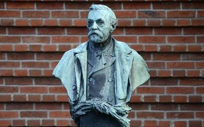 Alfred Nobeli skulptuur Stockholmis Karolinska instituudi ees.