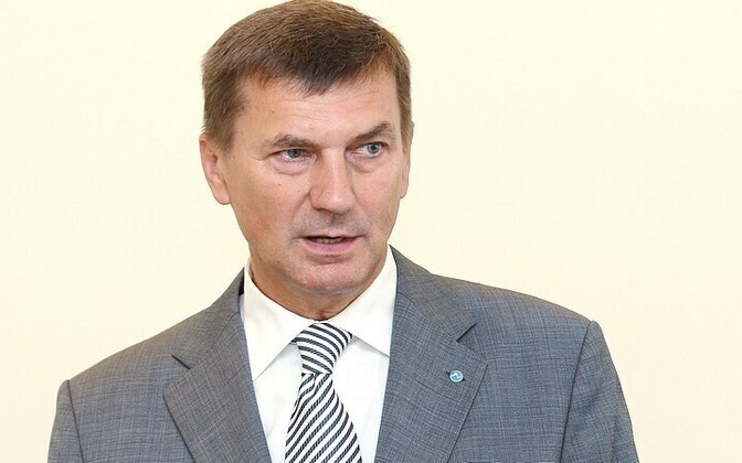 Outgoing Prime Minister Andrus Ansip is calling for sanctions against Russia.