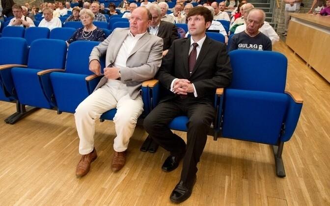 EKRE esimees Mart Helme (vasakul) ja juhatuse liige Martin Helme.