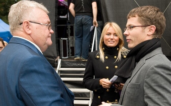 Center Party chairman Edgar Savisaar pictured with then party member Tarmo Lausing, who has emerged as a whistleblower on party financing issues.