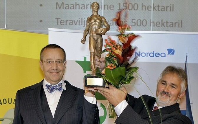 President Toomas Hendrik Ilves (left) andTõnu Post