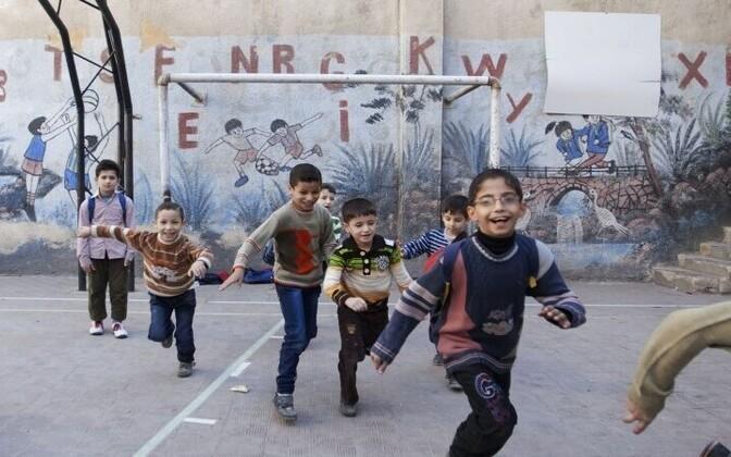 Mänguhoos lapsed Süürias.