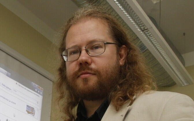 Raul Veede on meediaspetsialist ja MTÜ Wikimedia Eesti juhatuse endine liige.
