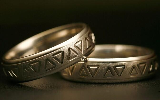 Abielusõrmused.