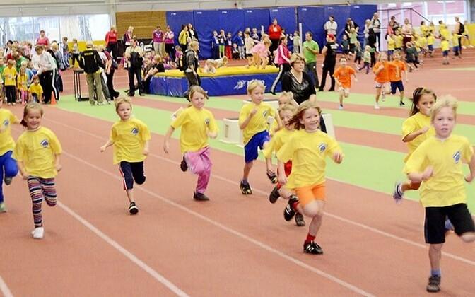 Tartu linna ja maakonna lasteaedade spordipäev
