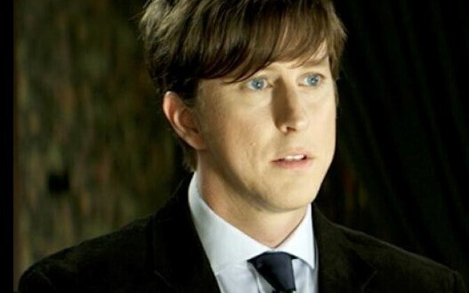 Lee Ingleby stars as John, the pathological Robin Hood/Hitler character.